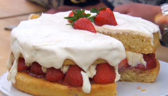glen's strawberries and cream cake