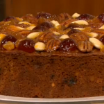 Last minute Christmas cake by Gino D'Acampo on Let's Do Christmas with Gino and Mel