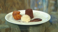 "Actress Rashida Jones got her food heaven when James Martin served up a delicious dark chocolate fondant with hot chocolate sauce, banana fritters and ice cream dessert. James says: ""You..."
