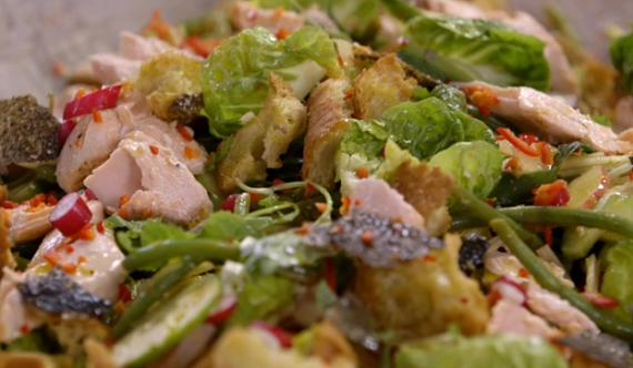 Jamie Oliver Vietnamese Salmon Salad Recipe On Jamie S Money Saving Meals The Talent Zone