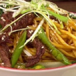 Dean Edwards Crispy beef with stir fried noodles recipe on Lorraine