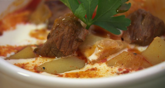 Si And Dave S Beef Goulash Soup Recipe On Hairy Bikers Bakeation The Talent Zone