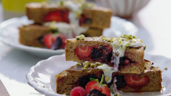 Jamie oliver berry pocket eggy bread with pistachios recipe on the full recipe can be found in jamies new cook book everyday super food available from amazon forumfinder Choice Image