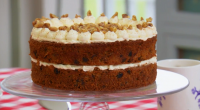 Mary Berry and Paul Hollywood make a delicious sugar free carrot cake using agave syrup and maple syrup as sweeteners on The Great British Bake Off Masterclass 2015. The ingredients...