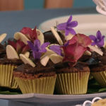 Carolyn Robb tiny treacle tarts, chocolate cupcakes and biscuit cake on Royal Recipes