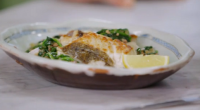 Jamie Oliver served up pan fried hake with spinach and bacon on Jamie and Jimmy's Friday Night Feast. Jamie served up the dish as part of his food fight to...