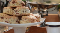 Si and Dave served up strawberry and pepper scones on Saturday Kitchen. For the strawberries: 400g small strawberries, hulled and halved, 2 tsp caster sugar and 1 tsp freshly ground...