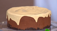 Phil Vickery served up chocolate cheesecake with Baileys Irish Cream for a St Patrick's Day Treat on This Morning. The ingredients: You need to make sure the cream cheese and...