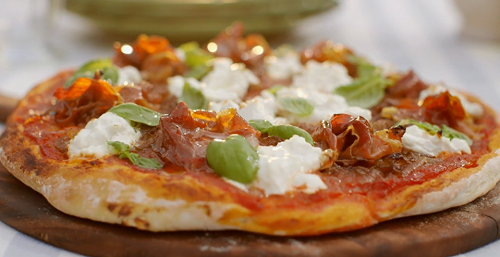 mary berry homemade pizza with parma ham and goats cheese