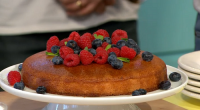 Lisa Faulkner served up a coconut polenta cake for Mother's Day on Sunday Brunch. The ingredients are: 140g coconut oil, 120ml maple syrup, 4 medium eggs, 200g ground almonds, 100g...