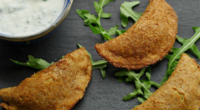 Simon Rimmer served up bread samosa's with a yoghurt and coriander dipping sauce on today's episode of Sunday Brunch. The ingredients are: 20 slices wholemeal bread, 200g cooked, mashed potatoes,...