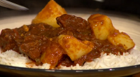 Simon Rimmer served up beef and mango Jamaican stew on today's episode of Sunday Brunch. The ingredients are: 450g large cubed chuck steak, 1 teaspoon fresh grated nutmeg, 25g curry...
