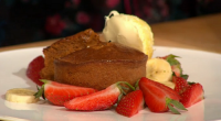 Simon Rimmer served up dulche de leche puds on today's episode of Sunday Brunch. The ingredients are: 2 whole eggs, 2 additional egg yolks, 1 vanilla pod, 450g dulce de...