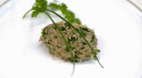 Nigel Haworth served up mushroom with herbs pate on today's episode of Yes Chef. The ingredients include: mushrooms, garlic, shallot, chives, parsley and olive oil. See more recipes from Nigel...