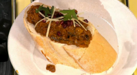 Nisha Katona serve up a chicken bunny chow South African curry on Sunday Brunch. The ingredients are: 2 small white onions finely diced, 2 tbsp garlic ginger puree, 4 tbsp...