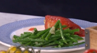 Phil Vickery served up a fresh tomato sauce to celebrate the British tomato season on This Morning.