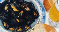 Phil served up mussels with bacon and beer together with mussels vinaigrette with red onions and plum tomatoes on This Morning. The ingredients for the beer mussels are: 250g rindless...