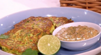 Phil Vickery served up courgette fritters with a spicy peanut sauce and sesame salad on This Morning. The ingredients for the Fritters: 3 tbsp self raising flour, pinch or two...