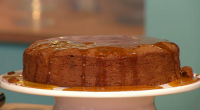 Simon Rimmer served up a delicious apple, maple syrup and pecan cake on today's episode of Sunday Brunch. The ingredients are: 150g melted butter, 2 peeled grated apples (sharp like...