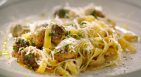 Jamie Oliver served up sausage carbonara with tagiatelle and British Cumberland sausage meatballs on Jamie's Quick and Easy Food. The ingredients are: 150 g dried tagiatelle, 3 British Cumberland sausages,...