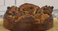James Martin served up cinnamon and cream cheese swirl with whisky and double cream on Saturday Morning with James Martin. The ingredients are: 625g strong white flour, plus extra for...