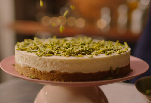 Nigella Lawson White Chocolate Cheesecake With Gingernut Recipe On Nigella At My Table The Talent Zone