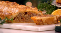 Phil Vickery served up the ultimate giant sausage roll on This Morning. The ingredients are: 500g puff pastry, 2 tbsp any oil, 2 small onions, finely chopped, 2 cloves garlic,...