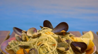 Gino D'Acampo served up spaghetti vongole with clams and mussels on Gino's Italian Coastal Escape. The ingredients: 250g live clams, 150g live mussels, 1 garlic clove, peeled and finely sliced,...