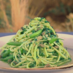 Gino's linguine with pesto, green beans and capers recipe