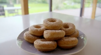 Tom Kerridge served up delicious low calorie baked doughnuts with golden caster sugar and Chinese five spice on Lose Weight For Good. The delicious treats comes in at just 120...