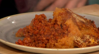 Simon Rimmer served up a tasty Spanish cottage pie on today's episode of Sunday Brunch. The ingredients are: 2 finely diced onion, 900g minced pork, 30g smoked paprika, 1tbsp cumin,...