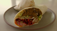 Tom Kerridge served up tasty low calorie sweet potato with black bean and walnuts burritos on Tom Kerridge's Lose Weight For Good. Each serving provides 685 kcal. The ingredients are:...