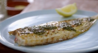 Mary Berry served up a tasty pan fried Dover sole with butter, lemon and parsley on Classic Mary Berry. The ingredients include: Dover sole, butter, lemon juice, parsley, salt and...