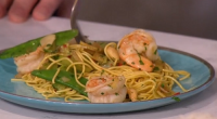 Gok Wan served up tasty Chineese king prawns with cashew nuts and noodles for a makeover takeaway on This Morning. The ingredients are: 3 cloves garlic, peeled and finely sliced,...