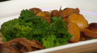 Simon Rimmer served up a tasty leg of lamb with pears on Sunday Brunch. The ingredients are: 1 leg of lamb, 30ml olive oil, 300ml rose wine, 125ml pear liqueur,...