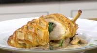 James Martin served up a tasty Chicken en croute on James Martin's Saturday Morning. The ingredients: 2 x skinless chicken breasts, French trimmed, skin removed, 1 small bunch tarragon, 200g...