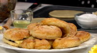 Juliet Sear served up delicious eccles cakes for The sweetest street party treats on This Morning. The ingredients for the pastry: 250g cold butter, 350g plain flour and The juice...