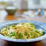Nadiya Hussain avocado pasta with peas and mint recipe