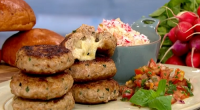 Phil Vickery showcased his melt-in-the-middle turkey burgers stuffed with melting gruyere cheese and served with a coconut rice salad on This Morning. The ingredients: 500g minced turkey (leg if possible),...
