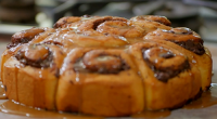 Nadiya Hussain served up delicious Mocha swirls with dark chocolate filling and a sticky espresso coffee icing on Nadiya's Family Favourites. The ingredients for the filling: 1 tbsp unsalted butter,...