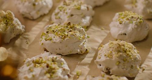Nigella Lawson Forgotten Cookies Recipe On Saturday Kitchen The
