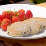 James Martin Welsh cakes with fresh strawberries and local honey recipe on James Martin's Great British Adventurep delicious