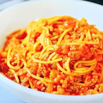 Phil Vickery low calorie and low salt spaghetti bolognese recipe on Save Money: Good Diet