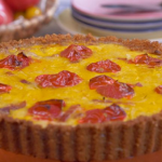 Lisa Faulkner quiche with crackers and bacon recipe on John and Lisa's Weekend Kitchen