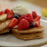 Tom Kerridge low calorie tahini and honey pancakes with Greek yoghurt recipe on Lose Weight and Get Fit