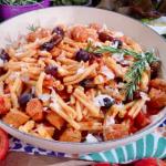 Clodagh Mckenna one pot spicy chorizo sausage and tomato pasta recipe on This Morning