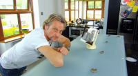 Superbike champion and king of the jungle Carl Fogarty, entertain strangers Derek, Fraizal, Lyn and Kadie at his country home on Who's Doing The Dishes? with Brian McFadden. Carl showcased […]