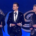 Who are the the guys hosting the Eurovision 2017 live show in Ukraine?