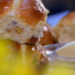Paul Hollywood hot cross buns recipe on Bake Off Easter Masterclass