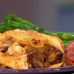Dean Edwards Beefy mushroom pasta bake and Chilli bean pot pies recipe on Lorraine